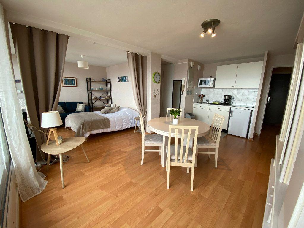 Appartement à louer 2 48m2 à Larmor-Plage vignette-4