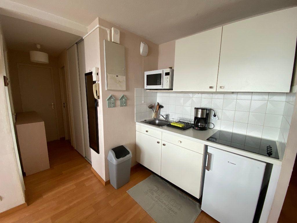 Appartement à louer 2 48m2 à Larmor-Plage vignette-5