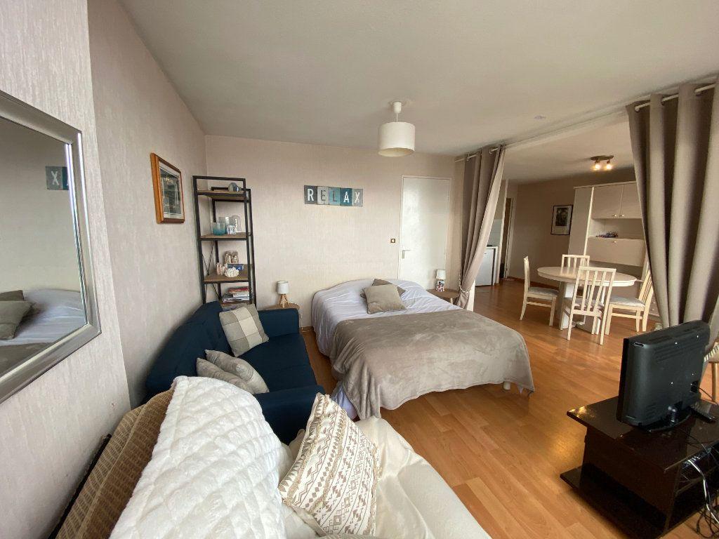 Appartement à louer 2 48m2 à Larmor-Plage vignette-6