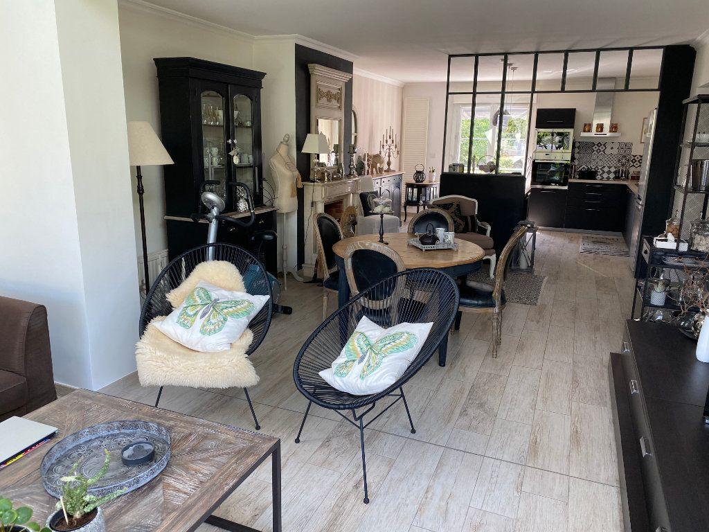 Maison à vendre 6 120m2 à Lanester vignette-2