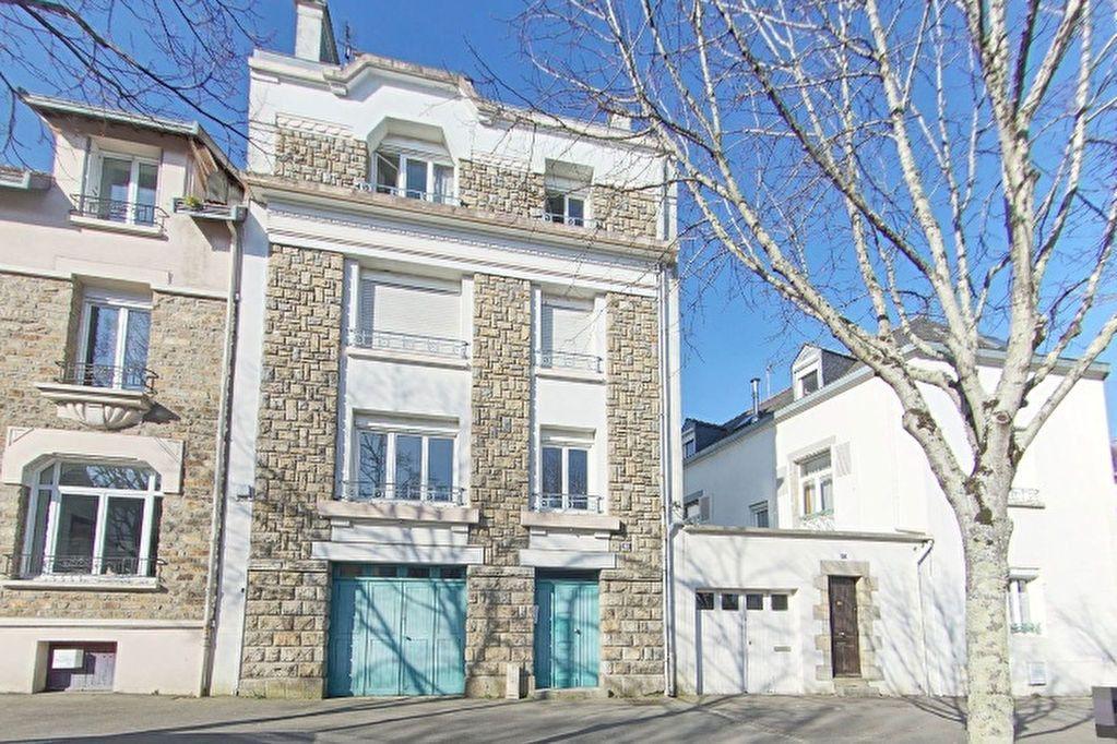 Appartement à louer 2 50.2m2 à Lorient vignette-1