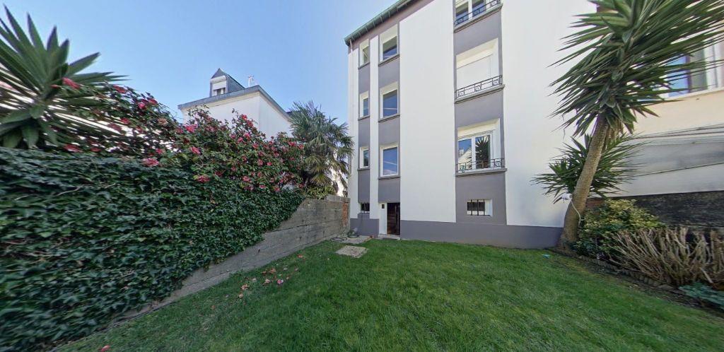Appartement à louer 2 50.2m2 à Lorient vignette-2