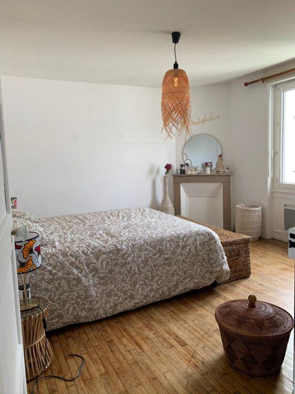 Appartement à louer 2 50.2m2 à Lorient vignette-5