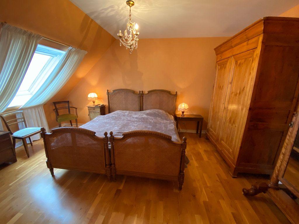 Appartement à louer 4 109m2 à Larmor-Plage vignette-10