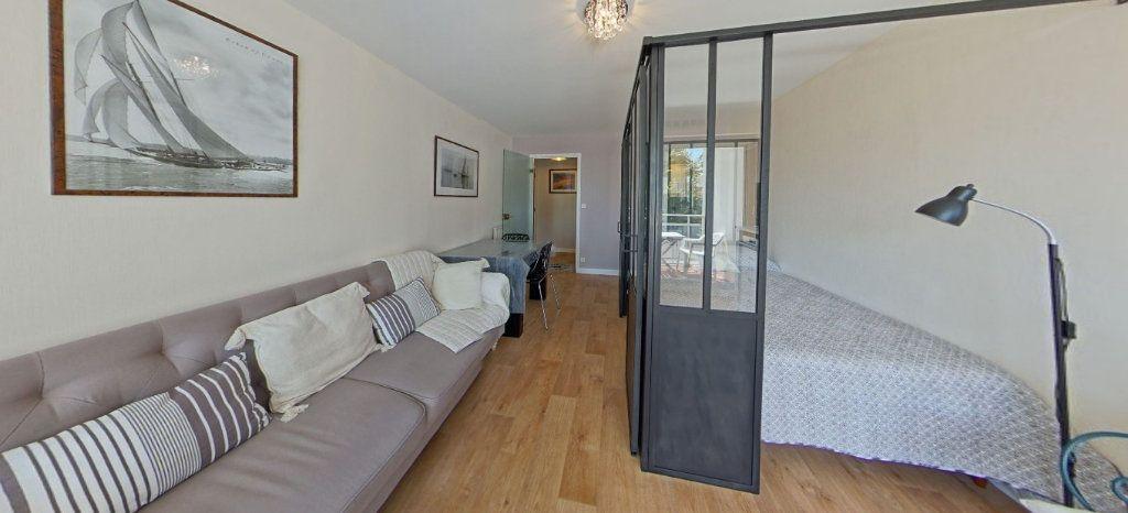 Appartement à louer 1 32m2 à Larmor-Plage vignette-1
