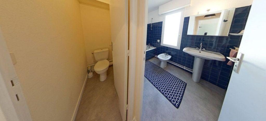 Appartement à louer 1 32m2 à Larmor-Plage vignette-6