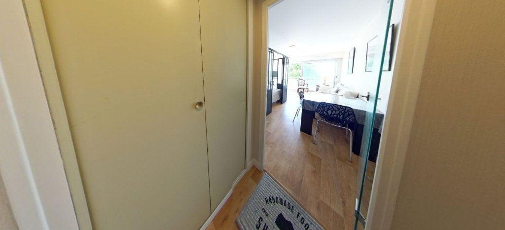 Appartement à louer 1 32m2 à Larmor-Plage vignette-10