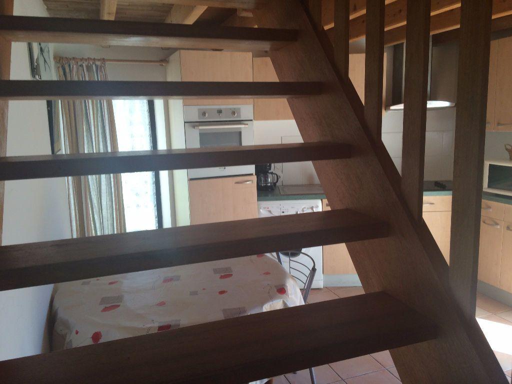 Appartement à louer 1 22m2 à Larmor-Plage vignette-5