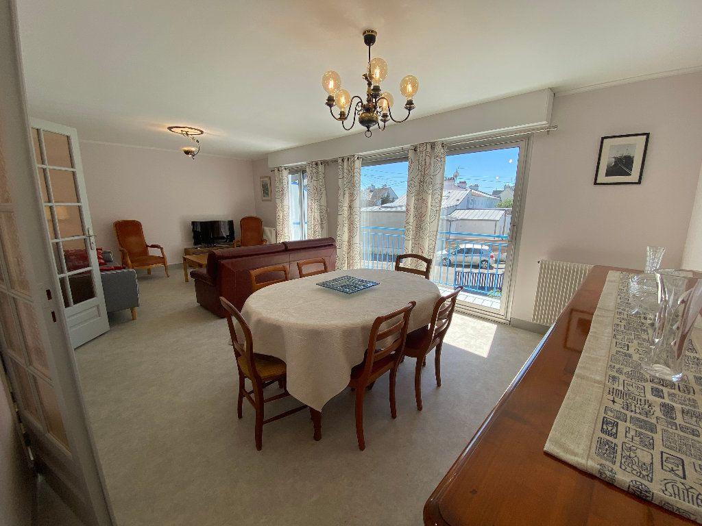 Maison à louer 7 160m2 à Lorient vignette-3