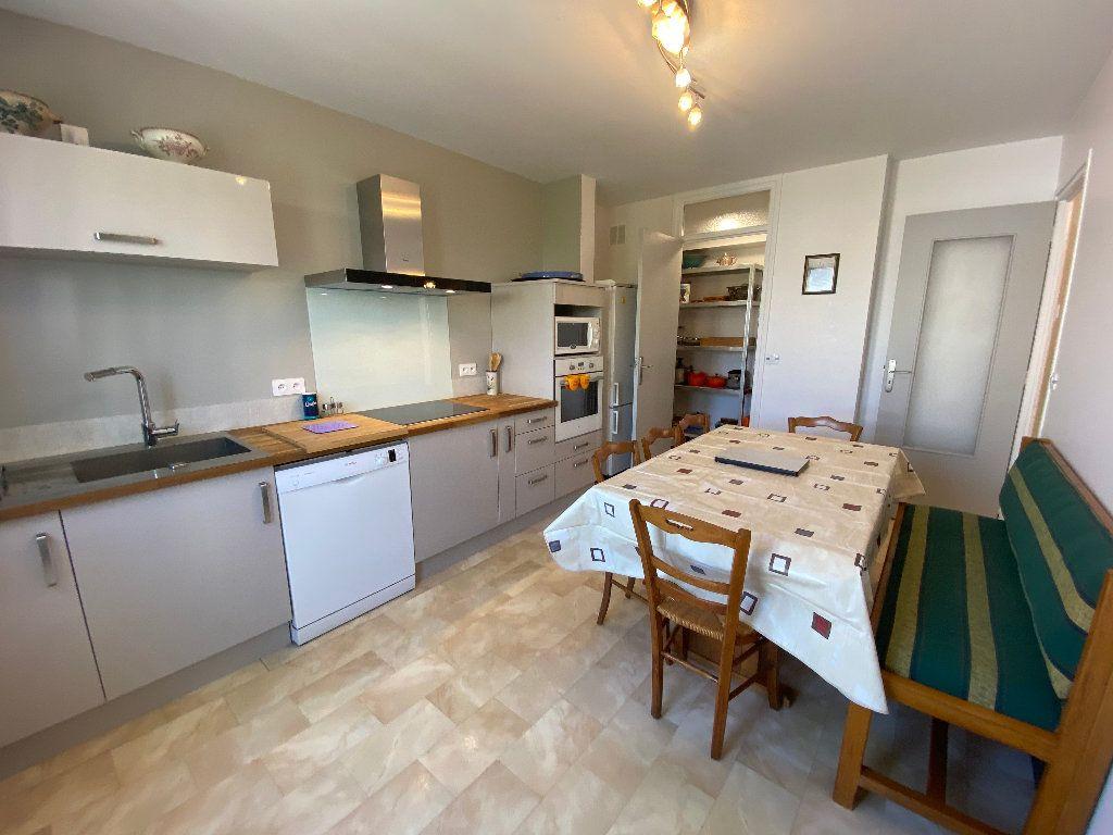 Maison à louer 7 160m2 à Lorient vignette-6
