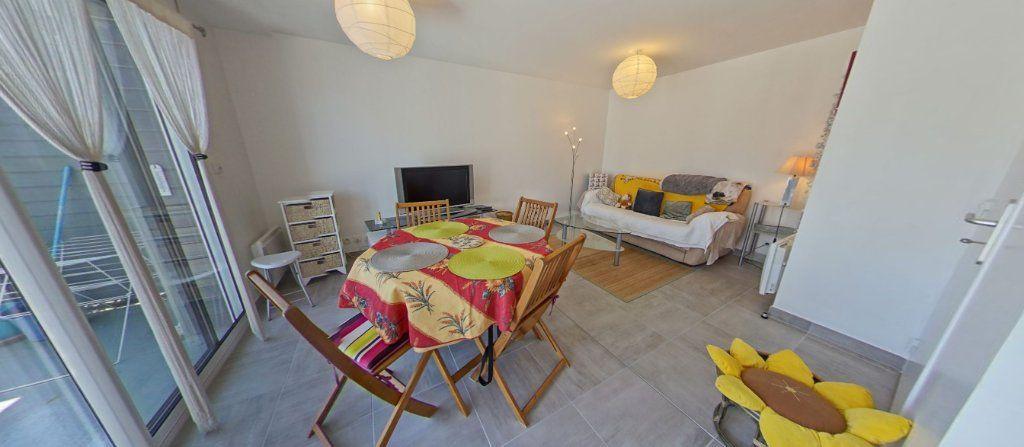 Appartement à louer 2 45.35m2 à Lorient vignette-3