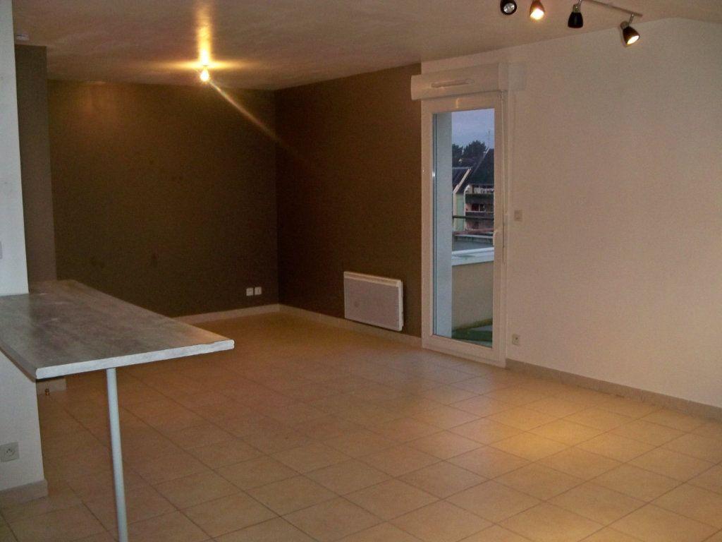 Appartement à louer 1 36.3m2 à Hennebont vignette-1