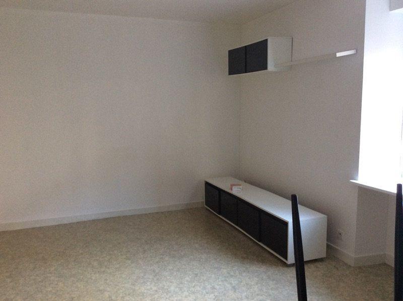 Appartement à louer 2 45m2 à Lorient vignette-3
