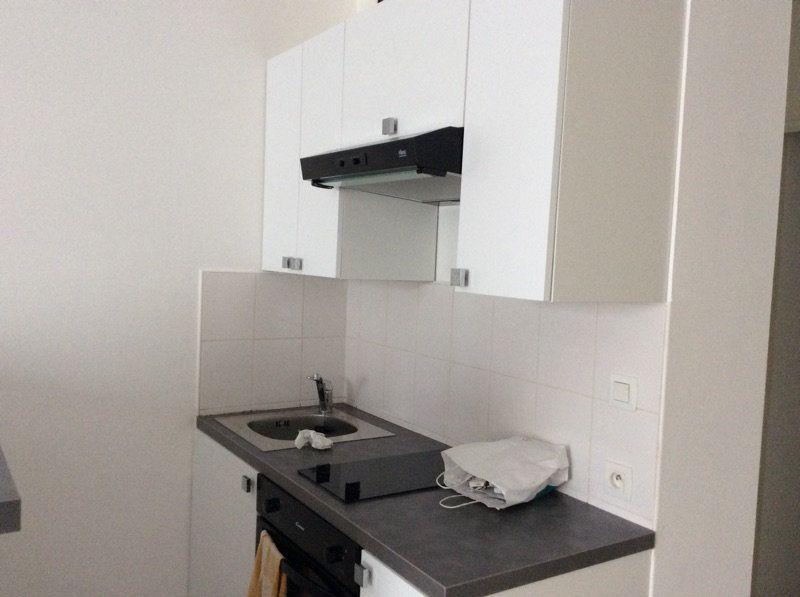 Appartement à louer 2 45m2 à Lorient vignette-5