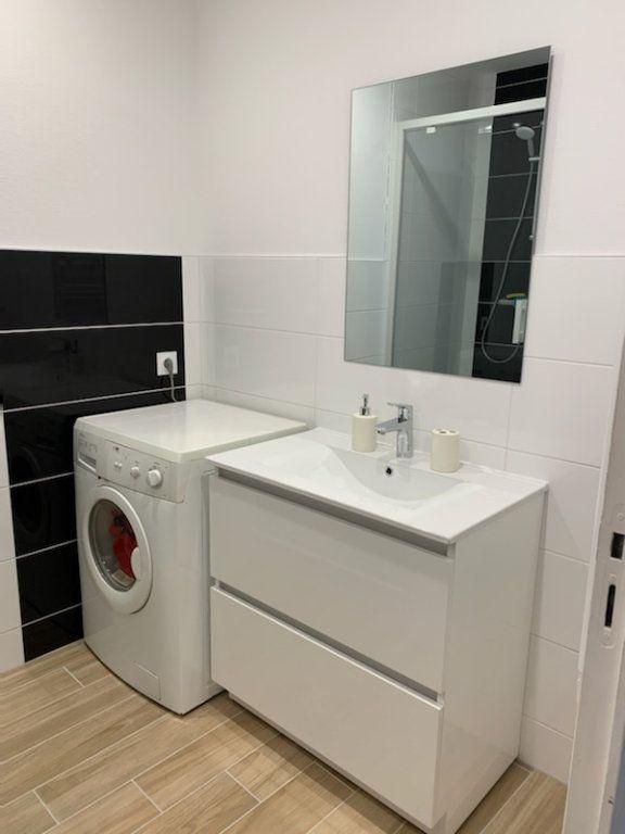 Appartement à louer 2 45m2 à Lorient vignette-6