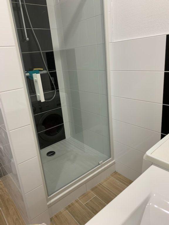 Appartement à louer 2 45m2 à Lorient vignette-7