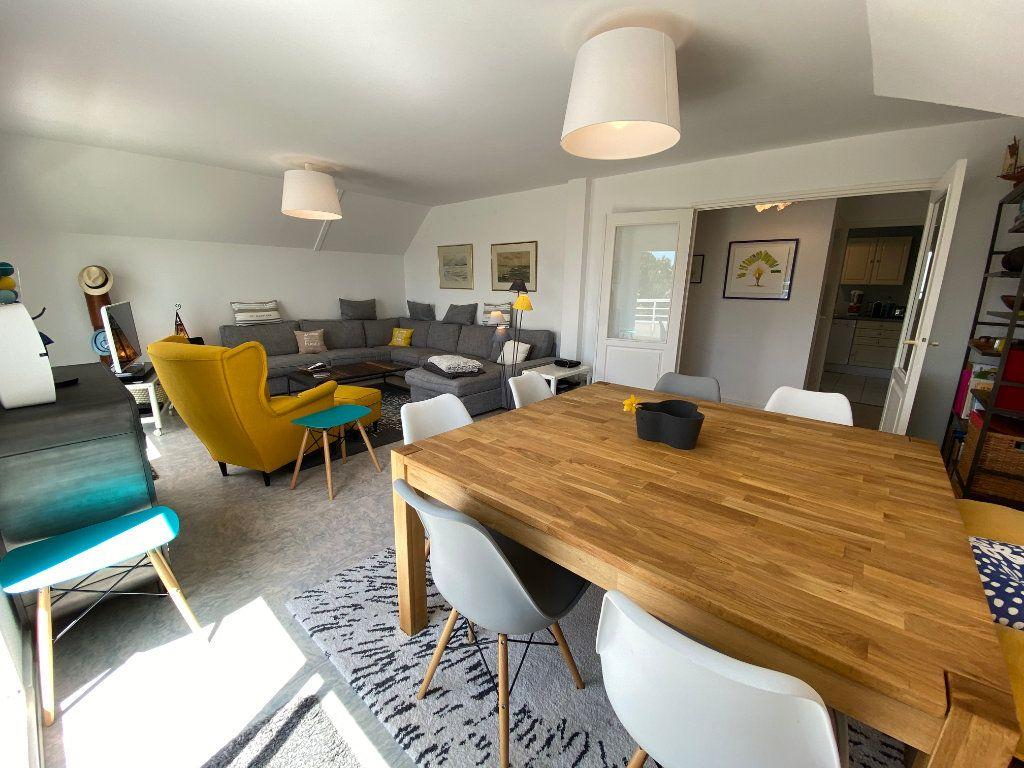 Appartement à louer 4 100m2 à Larmor-Plage vignette-7