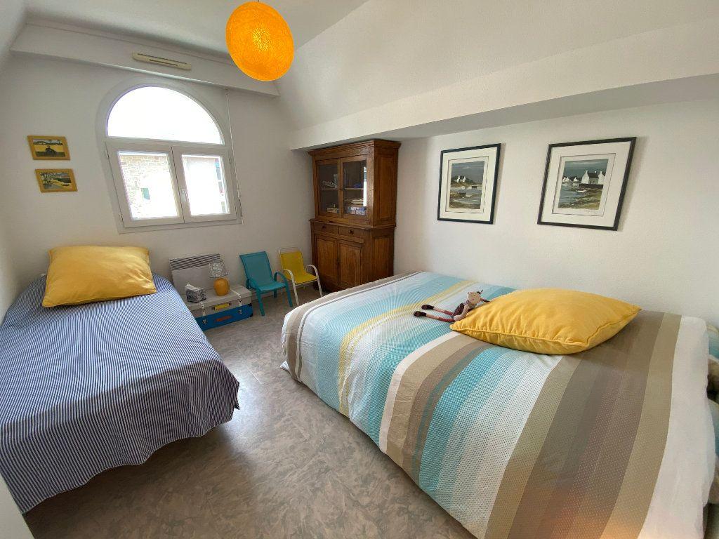 Appartement à louer 4 100m2 à Larmor-Plage vignette-11
