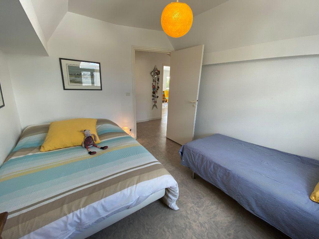 Appartement à louer 4 100m2 à Larmor-Plage vignette-12