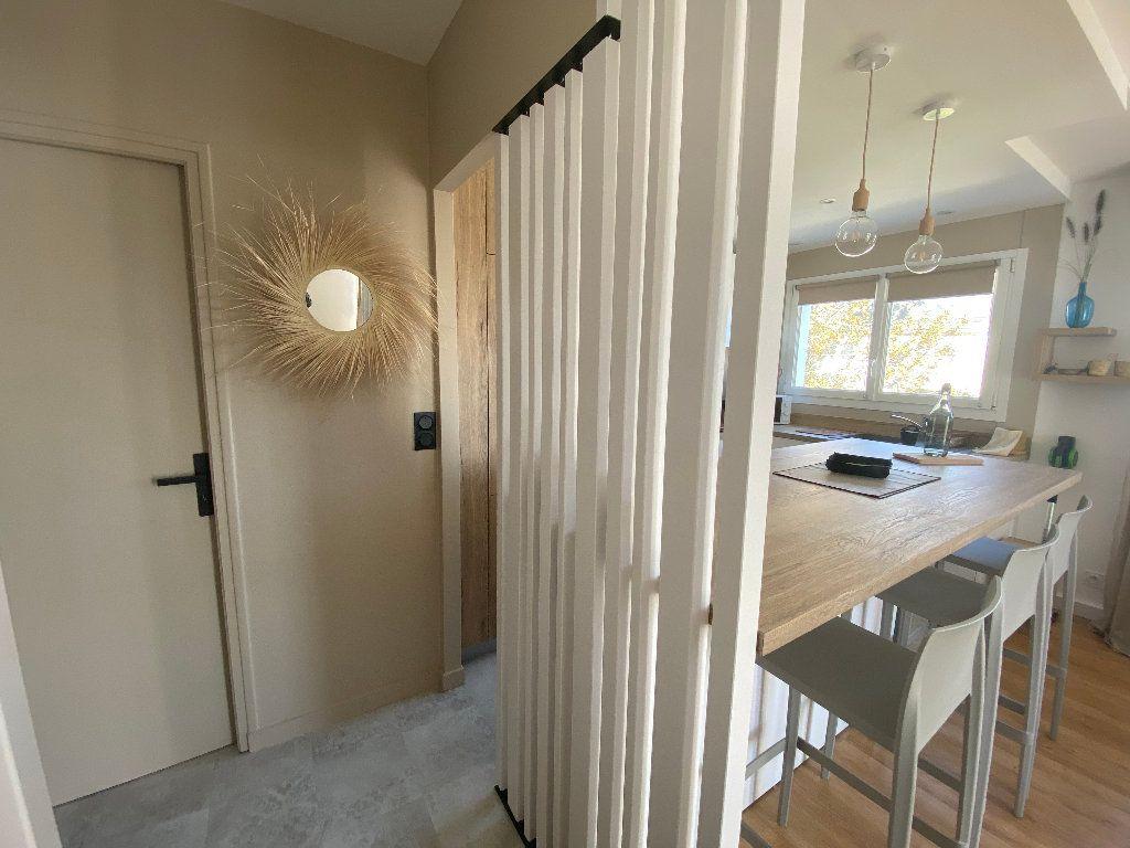 Appartement à louer 2 43.9m2 à Ploemeur vignette-11