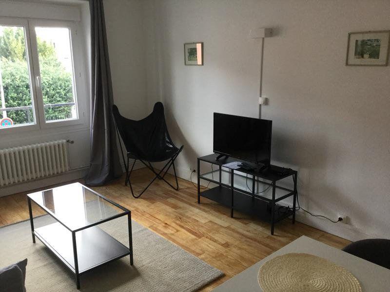 Appartement à louer 4 75m2 à Lorient vignette-2