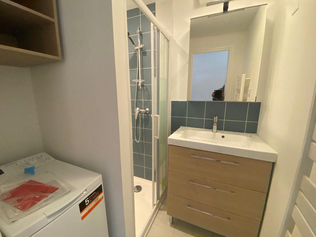 Appartement à louer 4 75m2 à Lorient vignette-7
