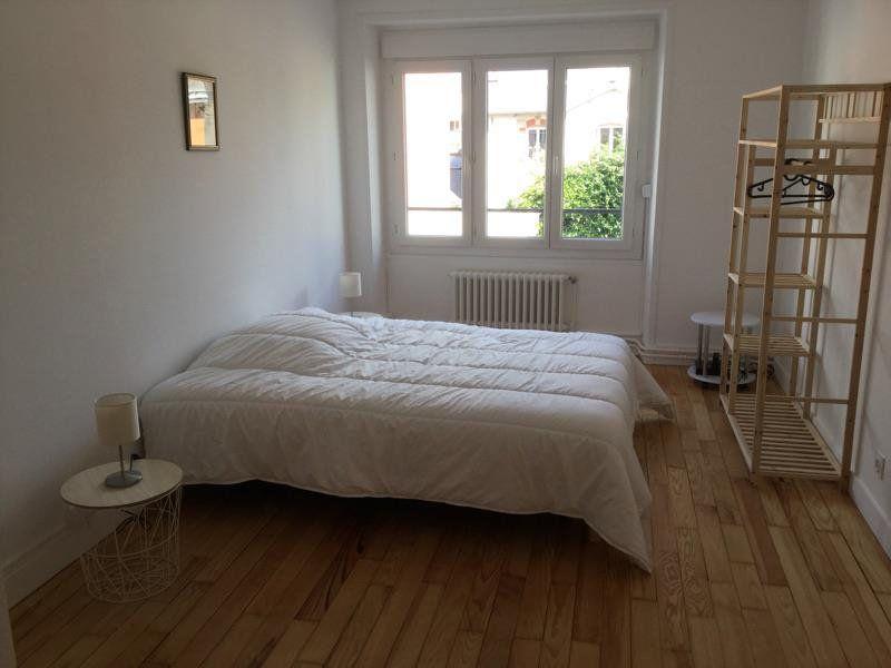 Appartement à louer 4 75m2 à Lorient vignette-8
