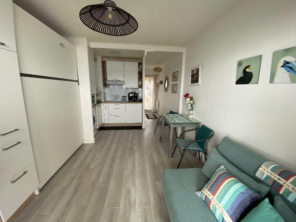 Appartement à louer 1 22.49m2 à Ploemeur vignette-3