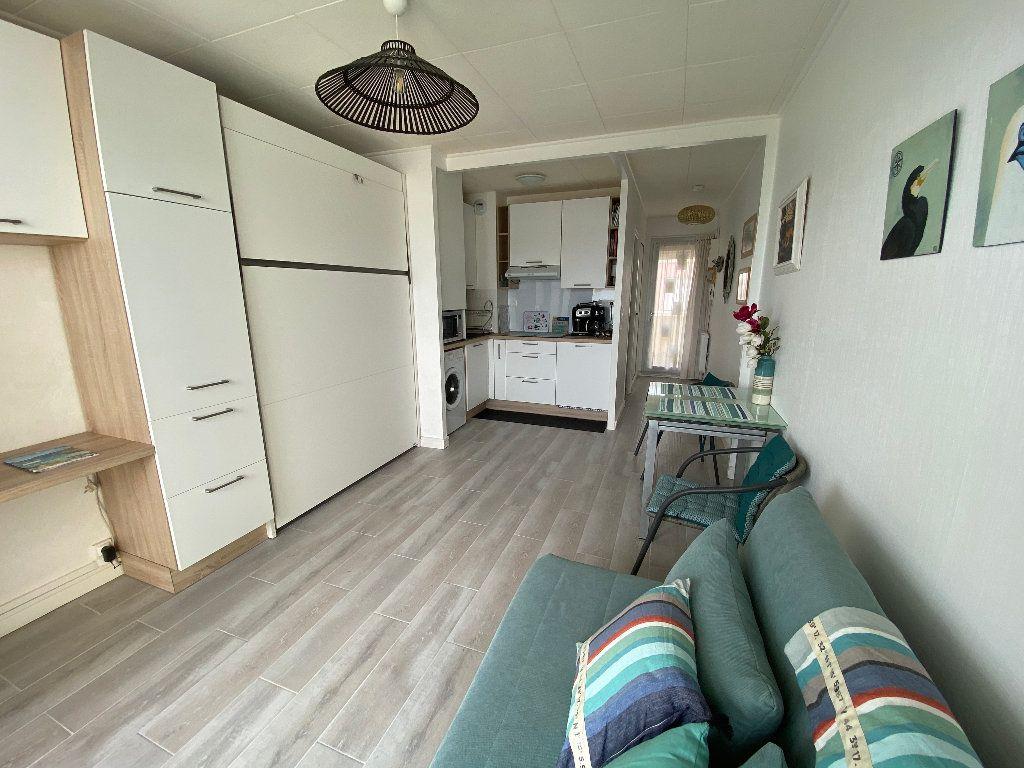 Appartement à louer 1 22.49m2 à Ploemeur vignette-6
