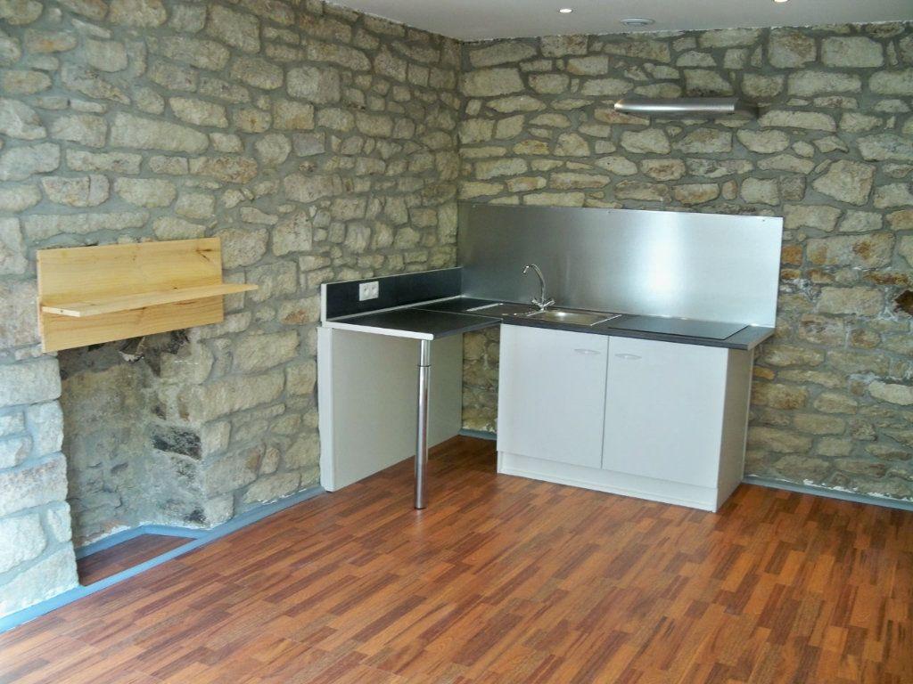 Appartement à louer 2 33m2 à Lorient vignette-2