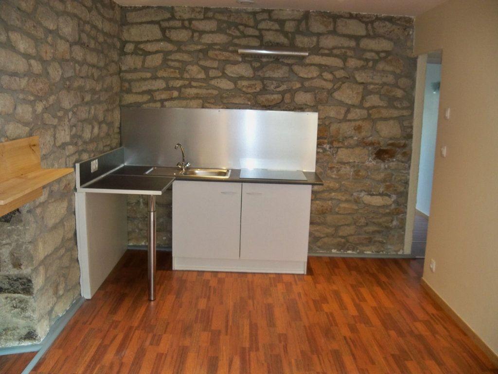 Appartement à louer 2 33m2 à Lorient vignette-3