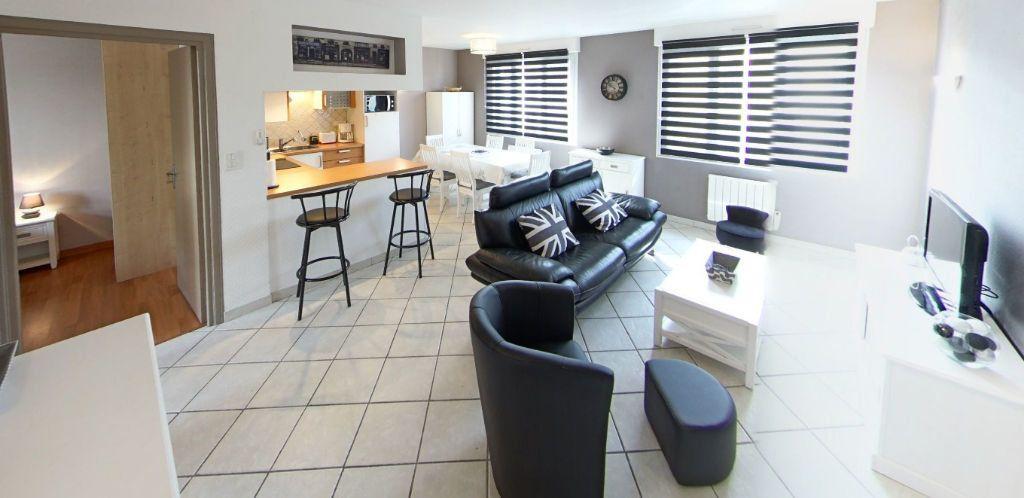 Appartement à louer 3 58.37m2 à Lorient vignette-1