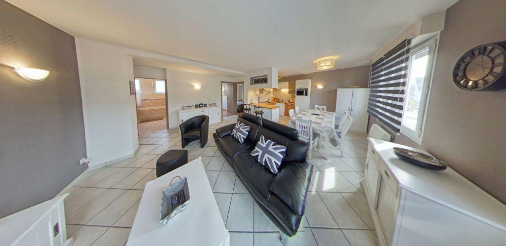 Appartement à louer 3 58.37m2 à Lorient vignette-2