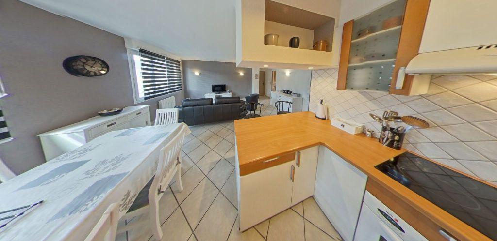 Appartement à louer 3 58.37m2 à Lorient vignette-5
