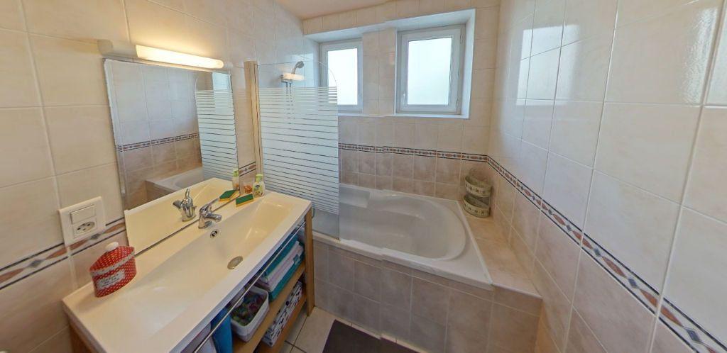 Appartement à louer 3 58.37m2 à Lorient vignette-7
