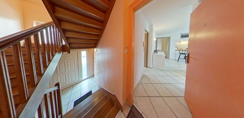Appartement à louer 3 58.37m2 à Lorient vignette-10