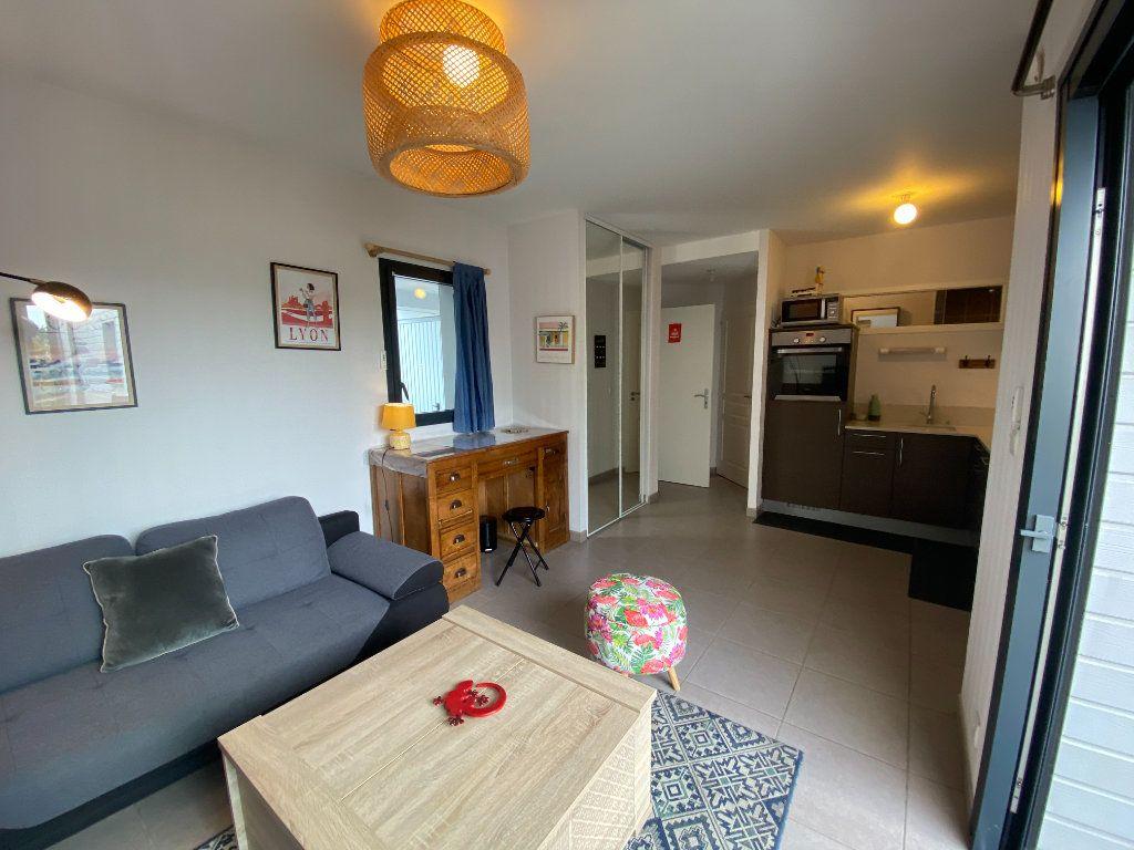 Appartement à louer 2 33.89m2 à Ploemeur vignette-3