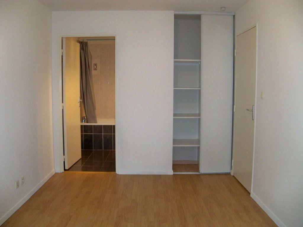 Appartement à vendre 2 34m2 à Lorient vignette-4