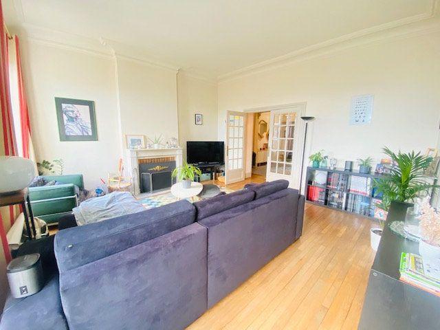 Appartement à vendre 5 131m2 à Lorient vignette-1