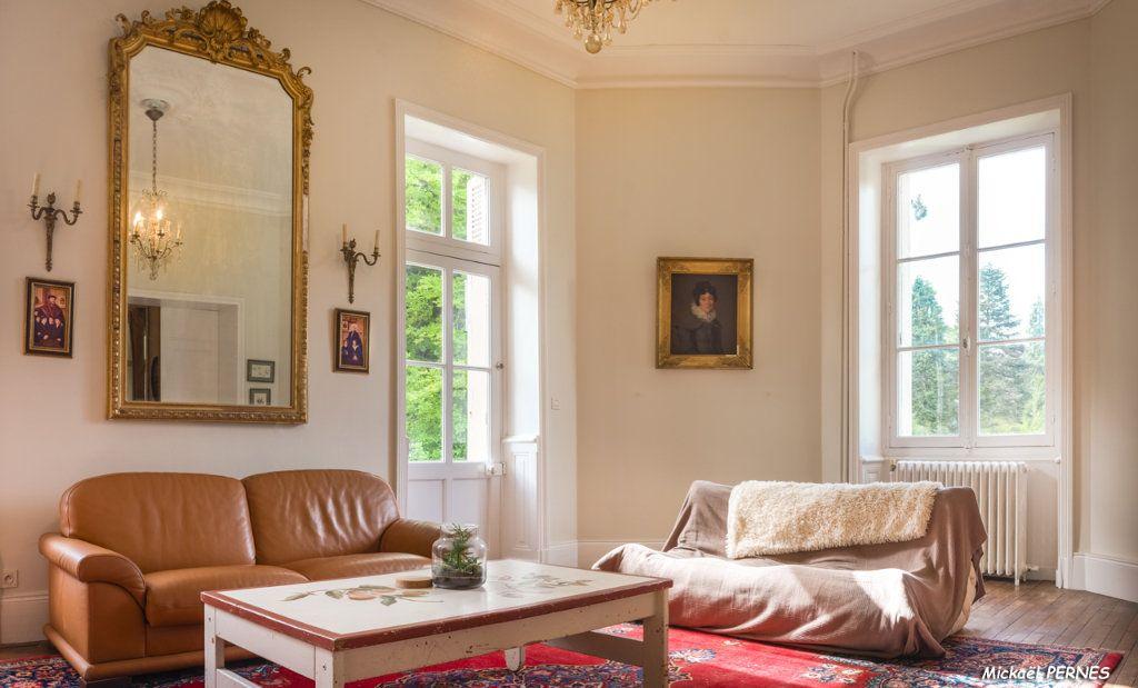 Maison à louer 9 250m2 à Hennebont vignette-4