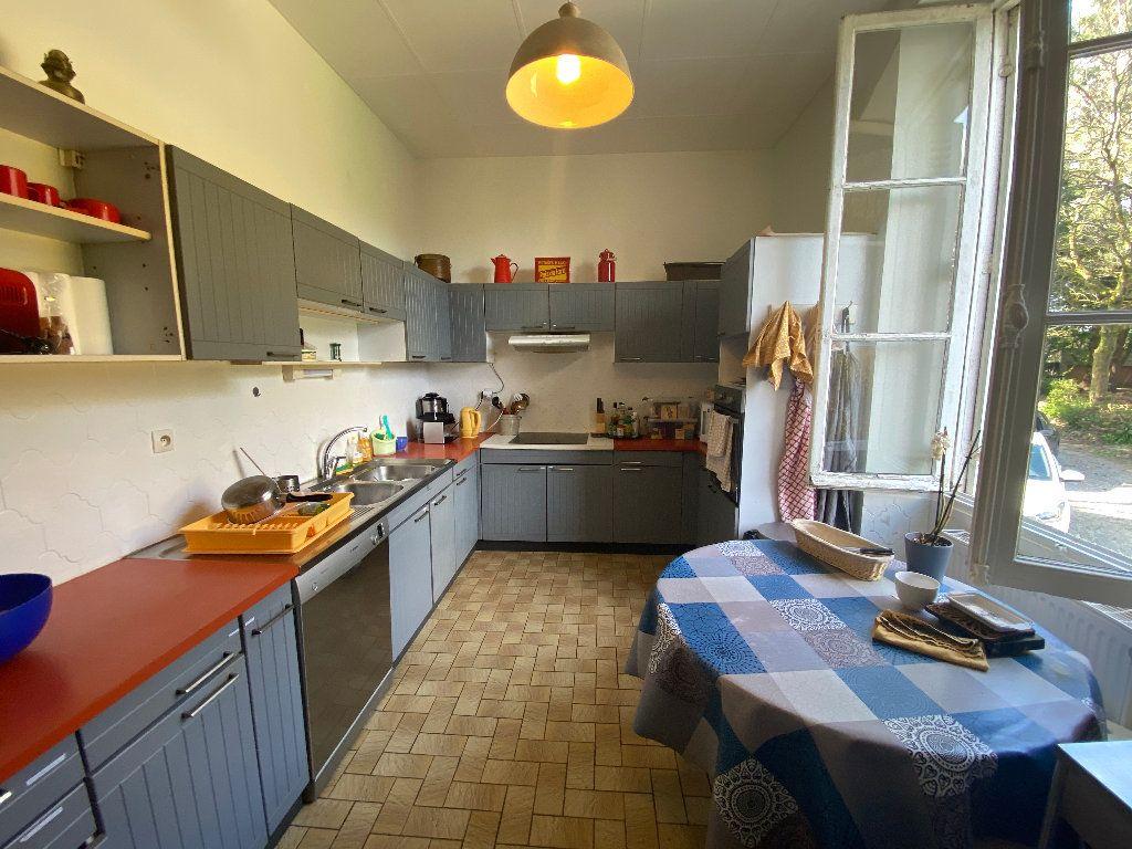 Maison à louer 9 250m2 à Hennebont vignette-9
