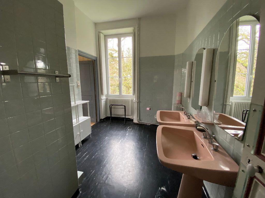 Maison à louer 9 250m2 à Hennebont vignette-15