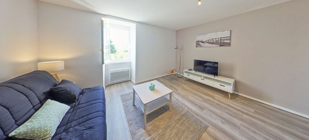 Appartement à louer 1 25m2 à Larmor-Plage vignette-1