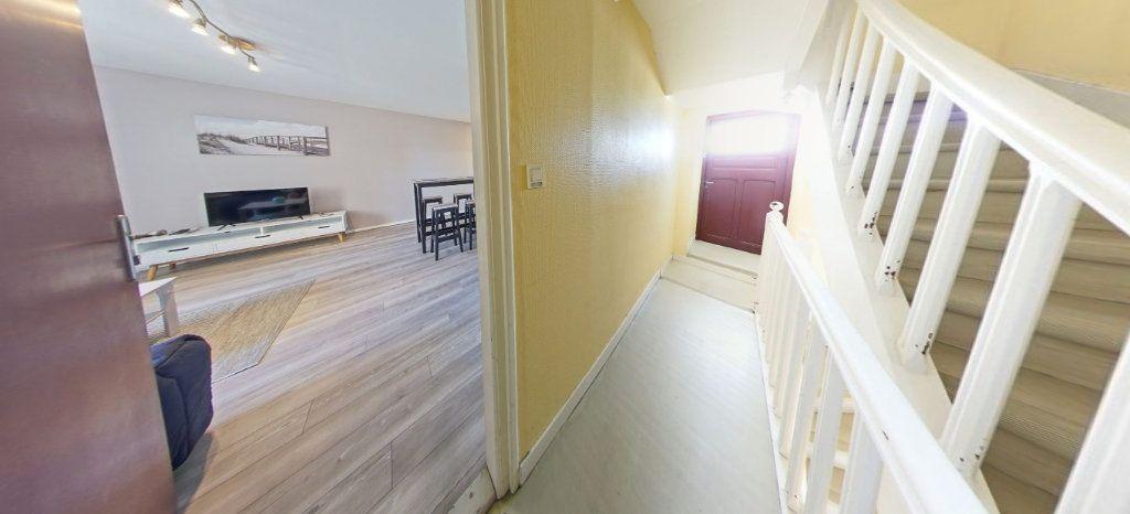 Appartement à louer 1 25m2 à Larmor-Plage vignette-6