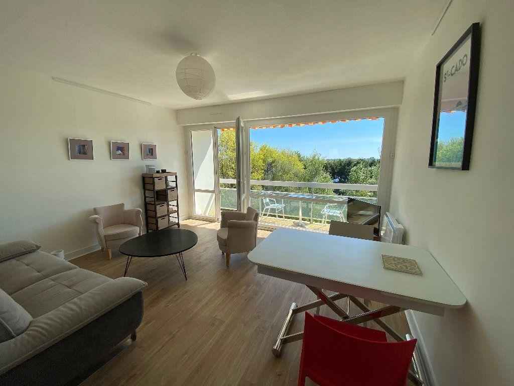 Appartement à louer 2 53.02m2 à Lorient vignette-1