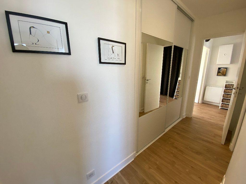Appartement à louer 2 53.02m2 à Lorient vignette-4