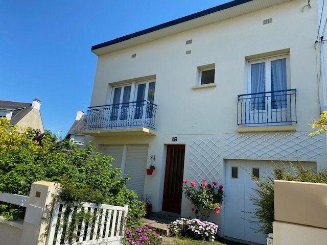 Maison à vendre 6 125m2 à Lorient vignette-1