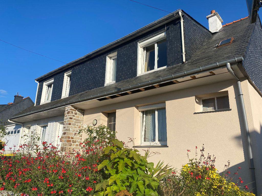 Maison à louer 3 70m2 à Hennebont vignette-1
