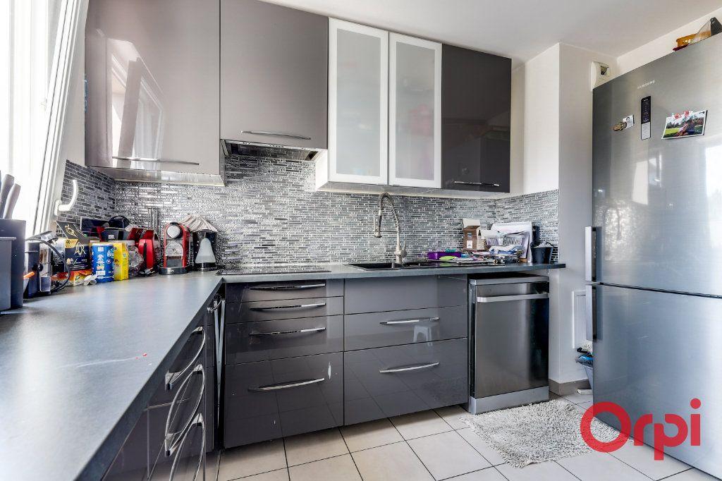 Appartement à vendre 3 66.32m2 à Bagnolet vignette-5