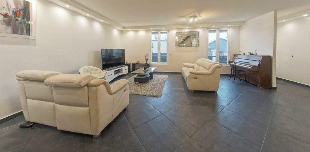 Maison à vendre 7 220m2 à Bagnolet vignette-2